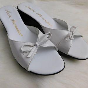 NWOT Athena Alexander Wedge Sandals Size 10